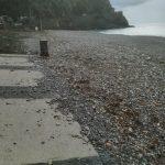 pulizia spiaggia con ritiro plastica