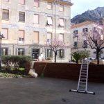 Maiori Manutenzione al giardinetto presso Palazzo Stella Maris