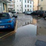 Spazzamento e lavaggio presso palazzine in via G. Capone Maiori