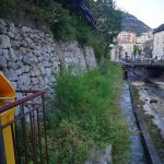 Taglio erba presso sponda del fiume, zona San Domenico Maiori