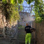 Minori taglio e spazzamento in via Traglio